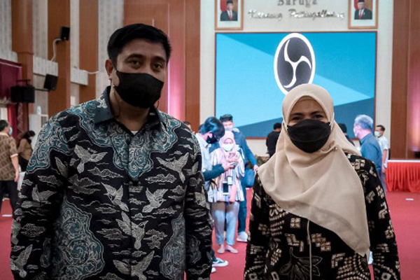 Chaidir Syam dan Suhartina Bohari